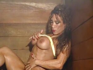 hot muscle women from RedTube