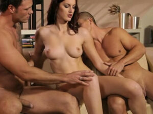 mmf threesome